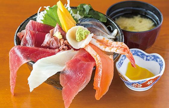 海鮮どんぶり(定食) 951円